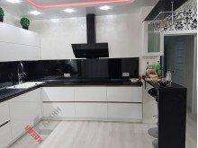 Кухня из МДФ крашенного №014