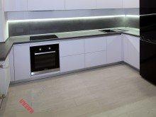 Кухня без ручек №002