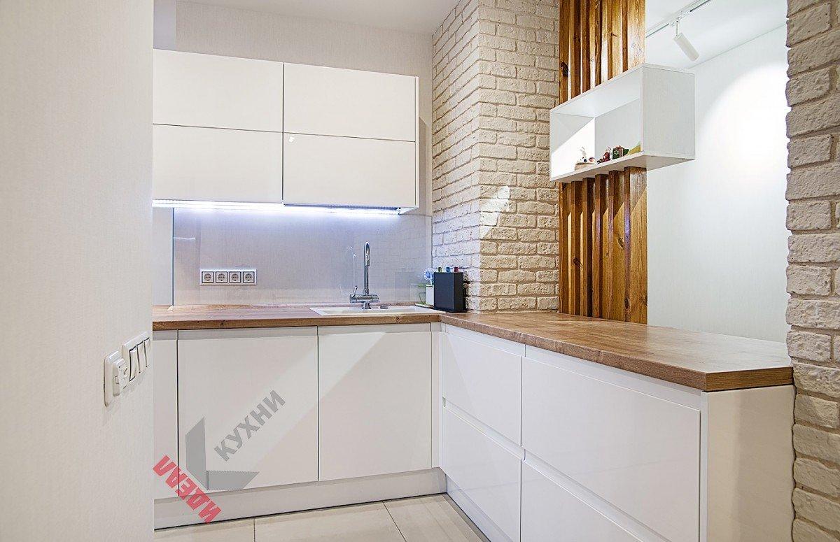 Кухня в квартиру студию №001