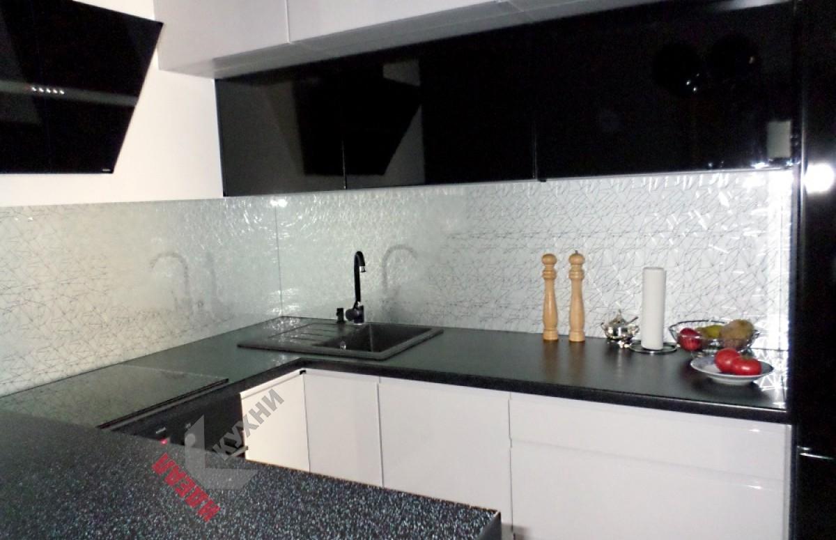 Кухня с барной стойкой №001