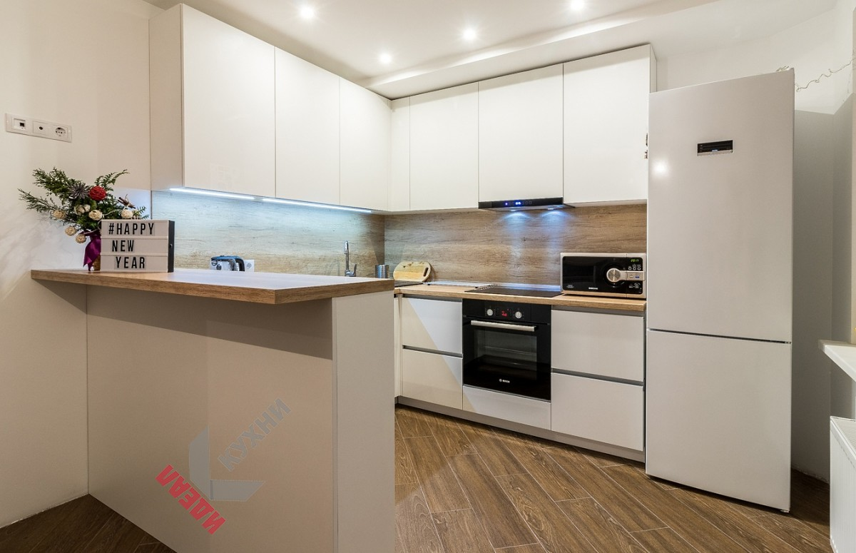 Кухня с барной стойкой №003