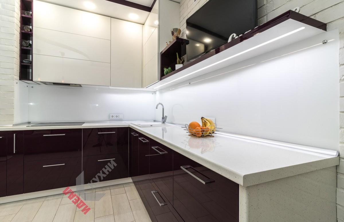 Угловая кухня №001