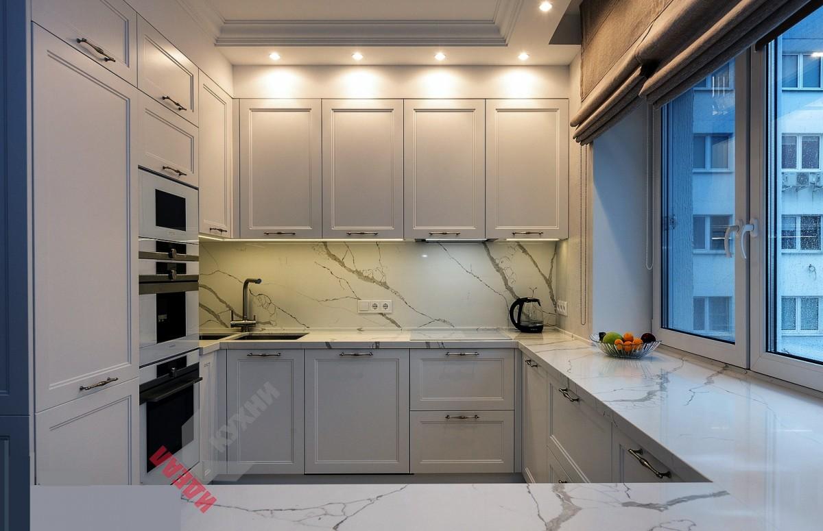 """Кухня под окно в стиле """"Нео классика """" №10"""