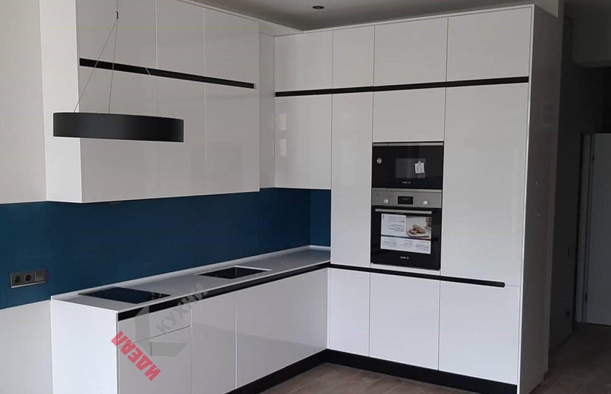 Кухня из акрила №017