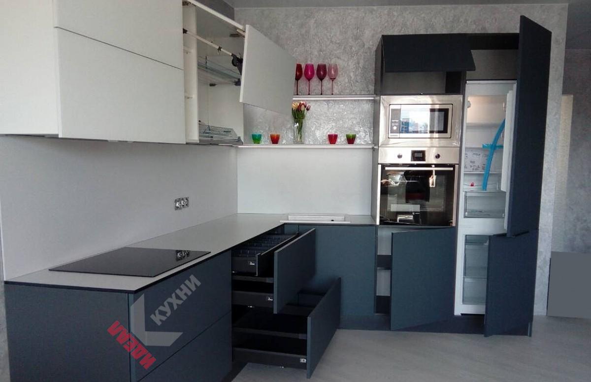 Кухня из пластика FENIX NTM №013